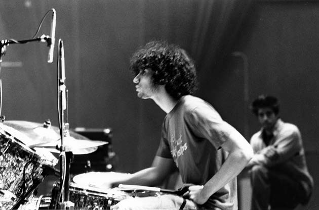 fabrizio moretti playing on drums