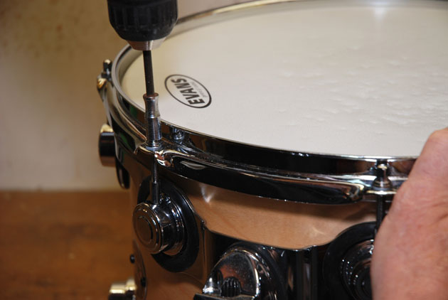how to change drum heads