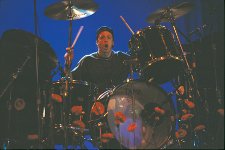dave grohl playing on drums
