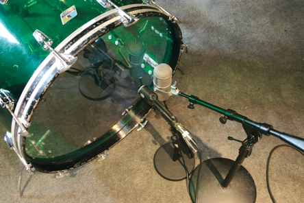 """Two mikes on the resonant head of a 26"""" acrylic bass drum to achieve 70s drum sound"""