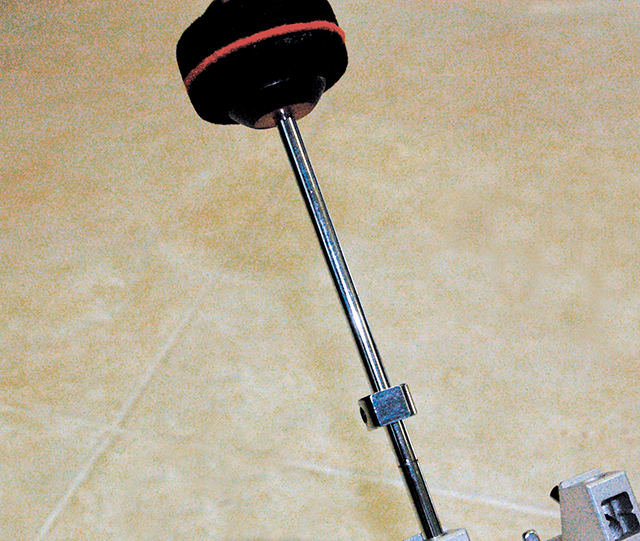 Beater shaft with counterweight for Bass Drum Pedal Adjustment