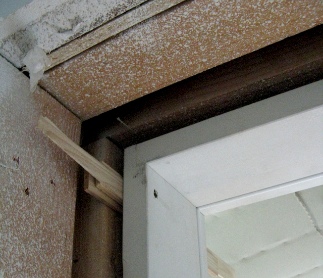 soundproof drum booth of air gap between walls and ceiling