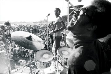 stevie wonder playing drums with the meters