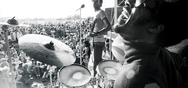 stevie wonder playing drums with the meters
