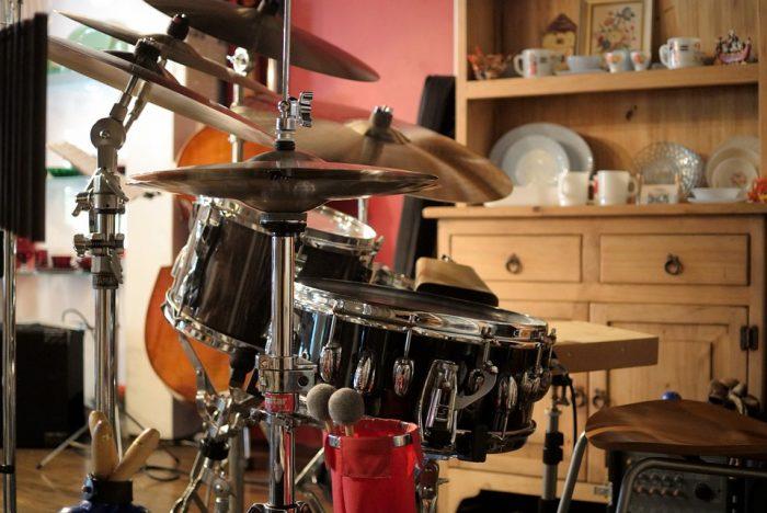 cymbal arrangement for drum set