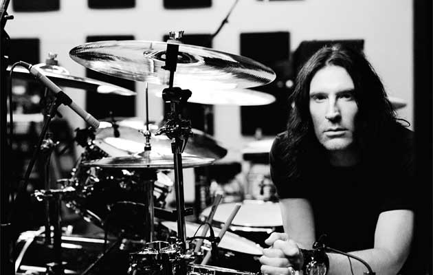 sean kinney with his drums
