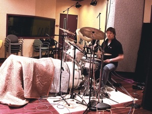 Fig. 3. Full setup with bass drum tunnel (Prairie Prince session)